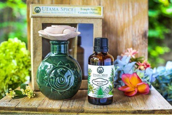 Ceramic Diffuser with Temple Spice Oil