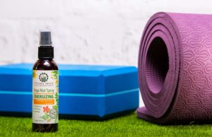 10 minute yoga utama spice energizing yoga mat spray